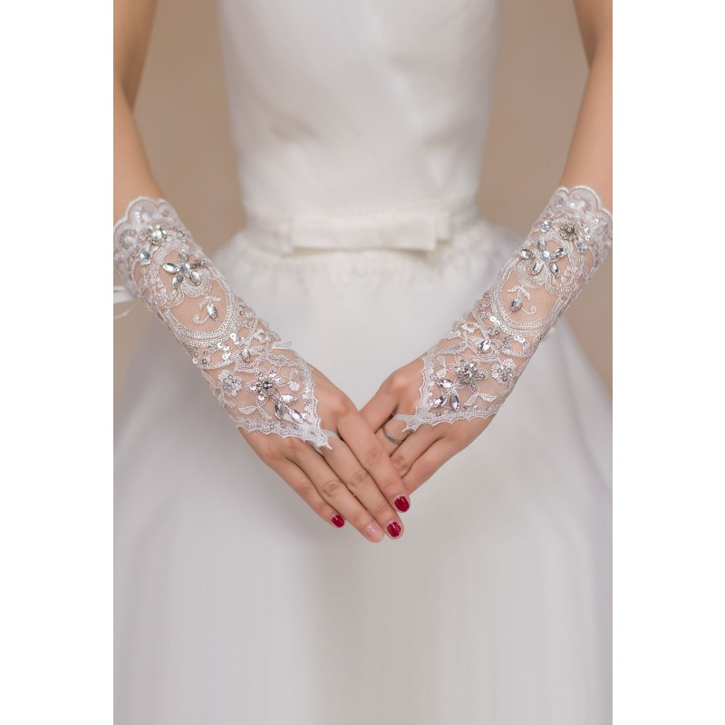 gants_mitaines _blancs_rosaces_strass