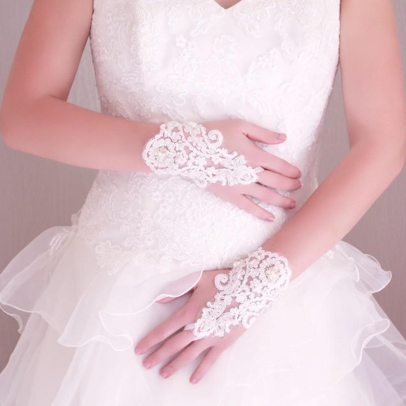 Gants Mitaines Mariage Court Dentelle Et Perle Blanc