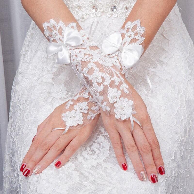 Gants Mitaines Blancs Perles Gros Noeud Fleur Broderie