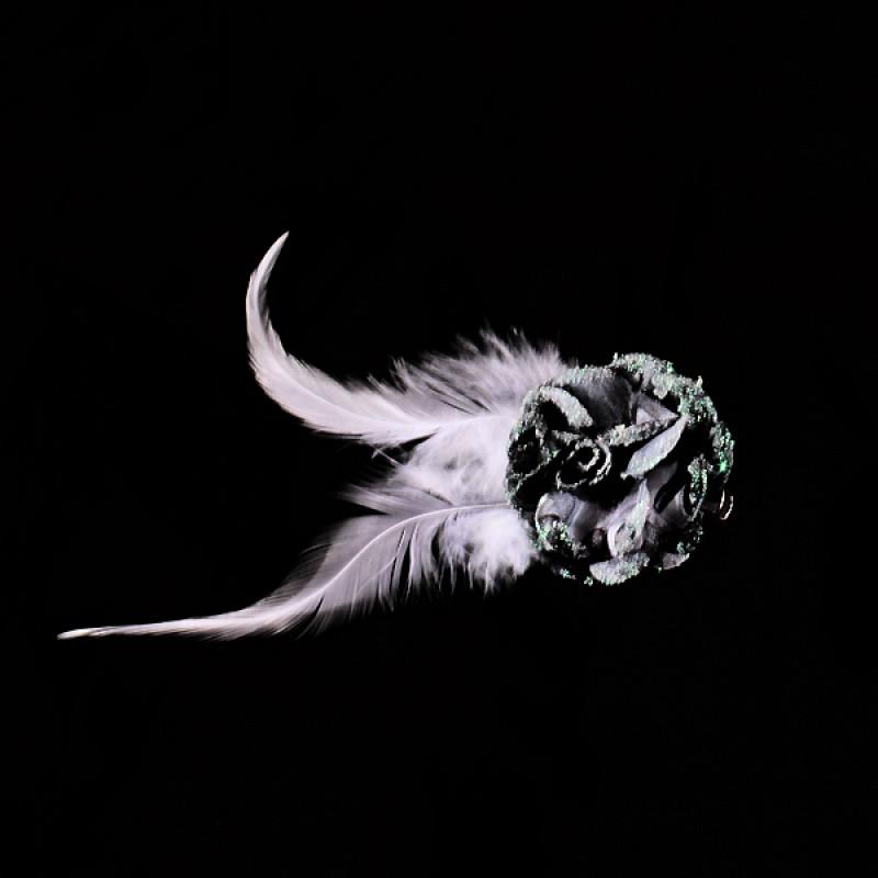 Pince Mariage Fleur Tissu Coloré Scintillant Blanc